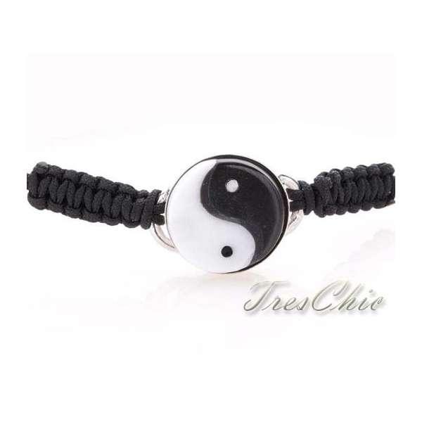 "Bracciali ""Yin e Yang"" in corallo bianco, onice ed argento-255"